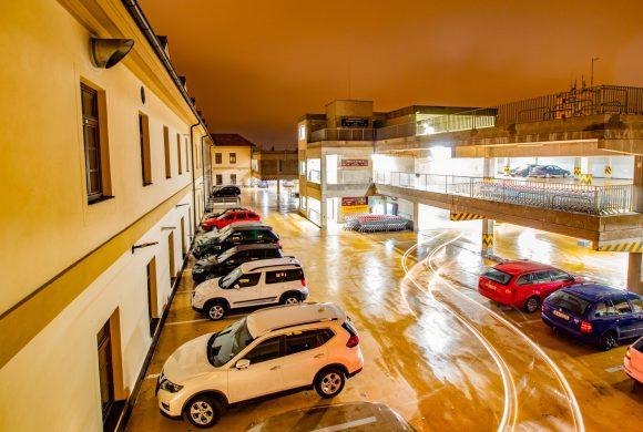 Dlouhodobý pronájem parkovacích stání